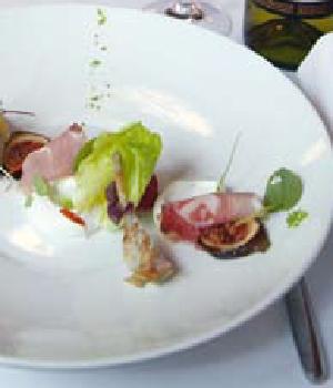 Salade van geitenkaas met ham