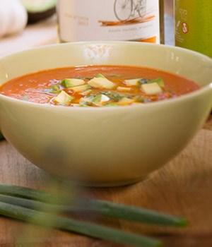 Gazpacho soep met avocado