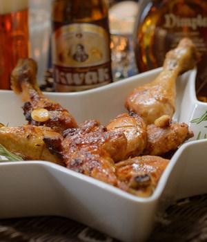 Feestelijke kip met knoflook en rozemarijn