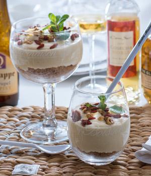 Mango-banaancheesecake in een glas