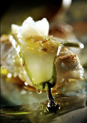 Stokbrood  met peer, walnoten en parmezaanse kaas