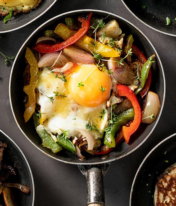 Paprika en sjalot  met ei en cress Gourmet