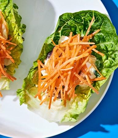 Little gem met vegetarische huzarensalade